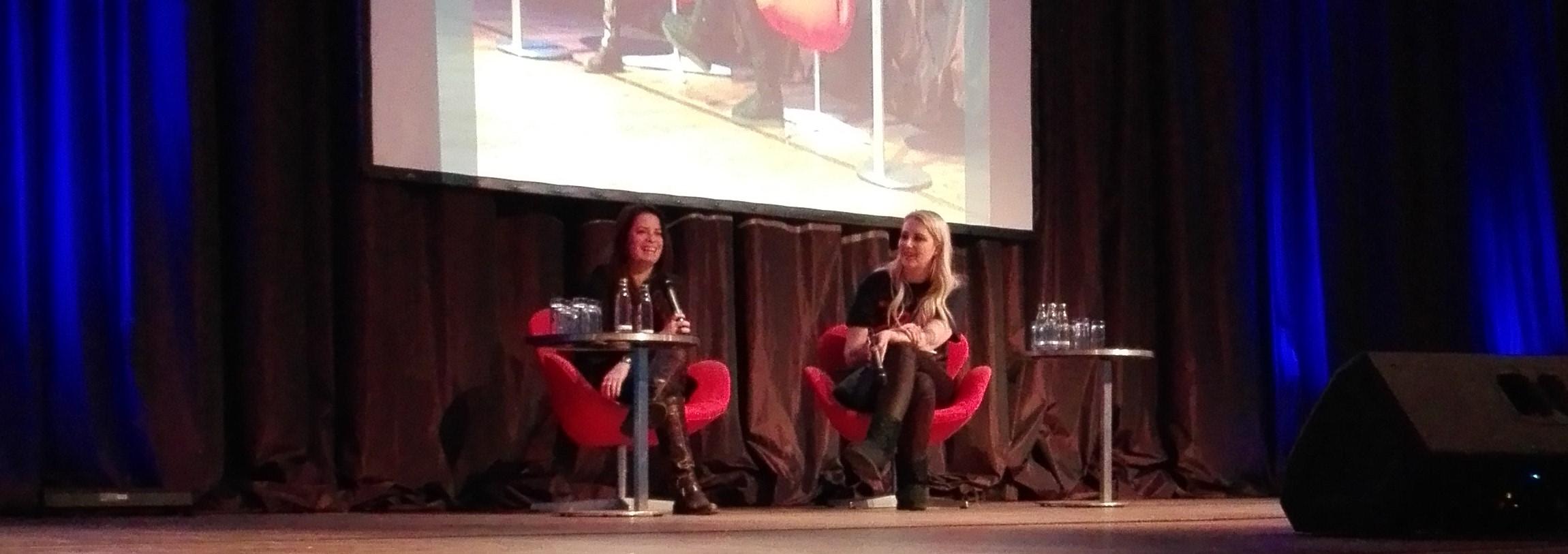 Isabel im Gespräch mit Holly Marie Combs Bild: Désirée Wilde / bonnFM