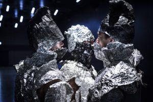 """Premiere der Bonner CocoonDance Company """"GHOST TRIO A – corps furtifs"""" eine Reise in die Zwischenwelt des Ab- und dennoch Anwesenden"""