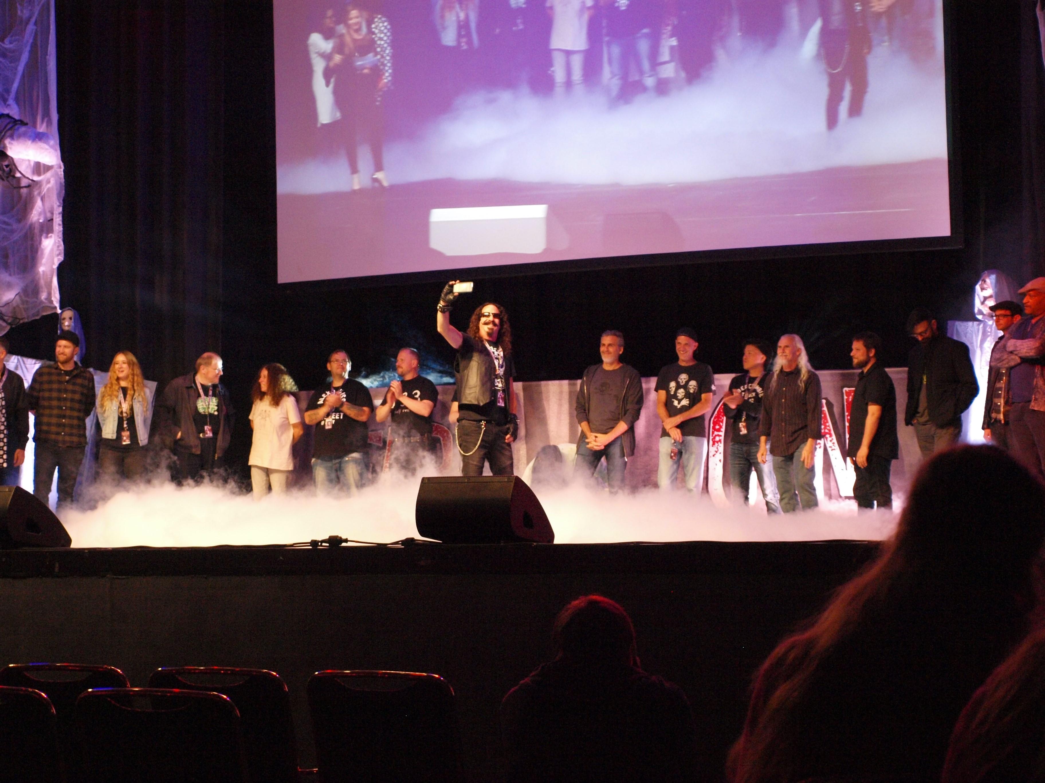 Treffpunkt FearCon – wo Vampire, Zombies und Geisterjäger friedlich miteinander feiern