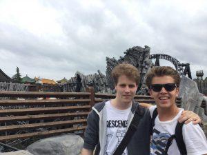 Für Achterbahnen um die ganze Welt – Ein Interview mit Taylor Bybee von Coaster Studios