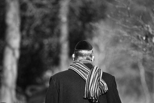Baseball-Cap statt Kippa – Antisemitismus in Deutschland