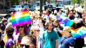 queer um vier: rund um den CSD