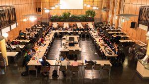 Neu gewählter AStA, die goldene Labertasche und foodsharing: So war die erste Sitzung des 42. Studierendenparlaments