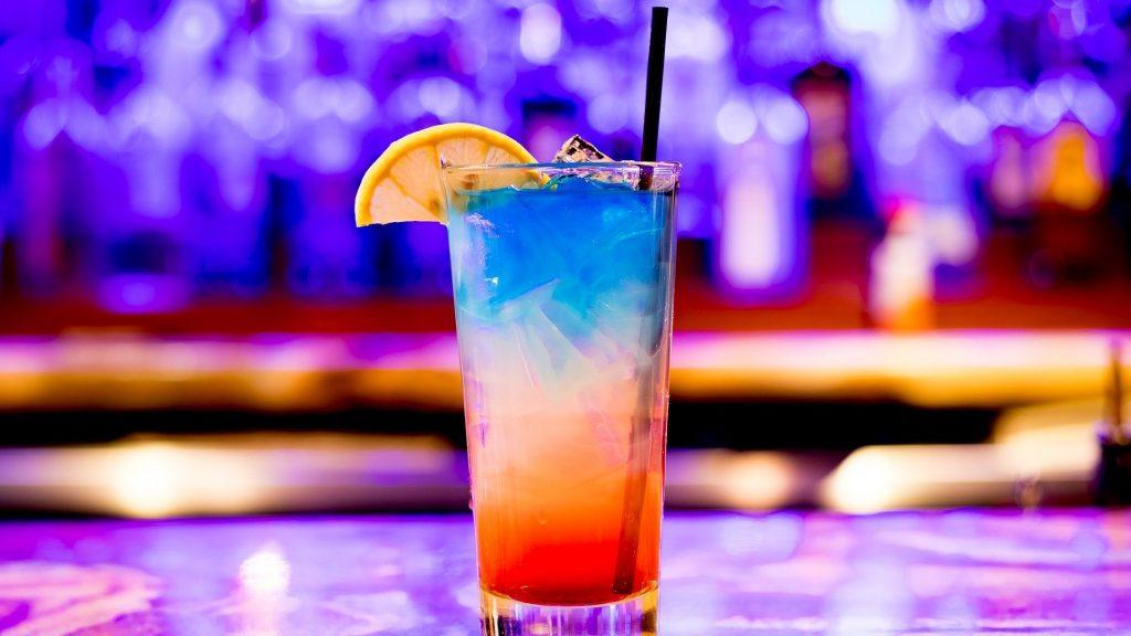 """Die """"Mädchen Getränke"""" – Ein alkoholisches süßes Vergnügen mit Klischees"""